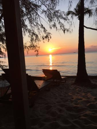 Lipa Noi, Tayland: the sunset from our bungalow