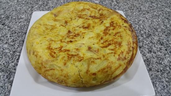 Puebla de Vallbona, Spania: Tortilla de patatas
