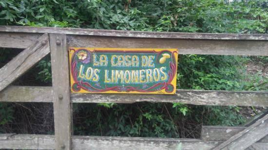 La Casa de los Limoneros: Portera de entrada