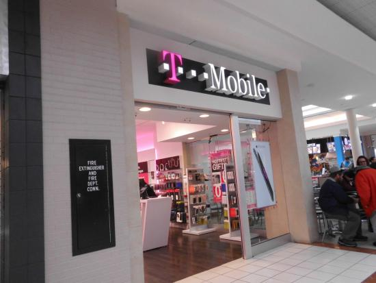 t mobile picture of mall of new hampshire manchester tripadvisor rh tripadvisor com