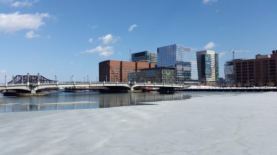 About the Harborwalk - Boston Harbor Now