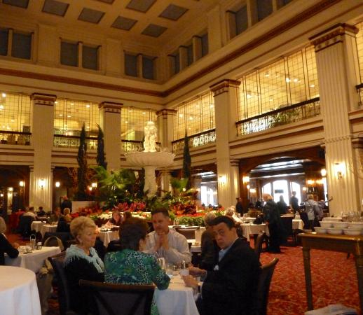 Walnut Room 7th floor in Macy\'s on Michigan Avenue - Picture of ...