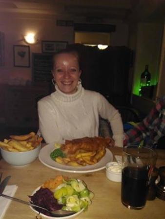 The Jolly Farmers Inn: Me & my Fish & Chips yumyyyyyy