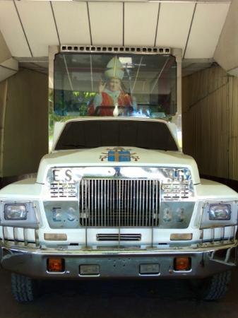 Military Museum El Zapote Barracks: Salvadoran Pope-Mobile