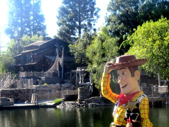 ‪Pirate's Lair on Tom Sawyer Island‬