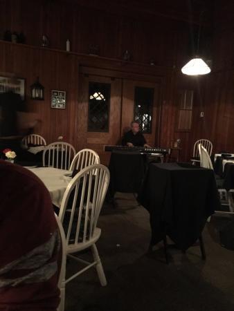 Chemong Lodge: Piano Man playing killer music!