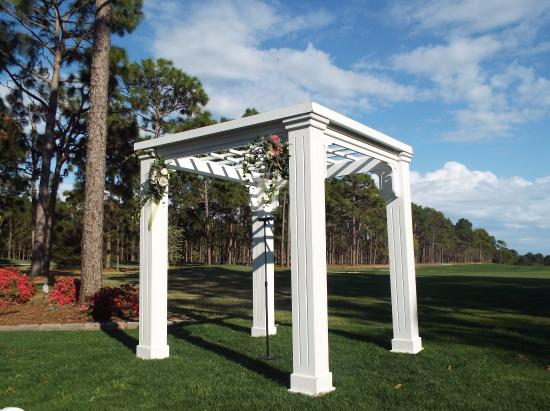 St. James Plantation: Outside on the golf course