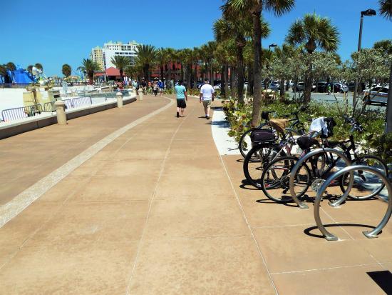 pier 60 parking lot picture of beach walk clearwater tripadvisor rh tripadvisor com