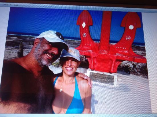 Anchor in Memory of All Seamen: Ancora no final da ilha