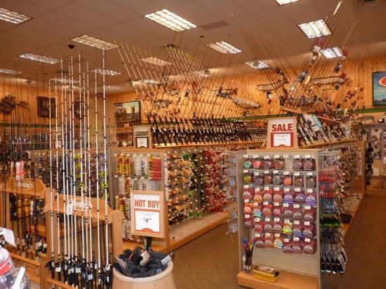 Rogers, MN: Tror varenda rulle spö och rulle på marknade finns i denna affär
