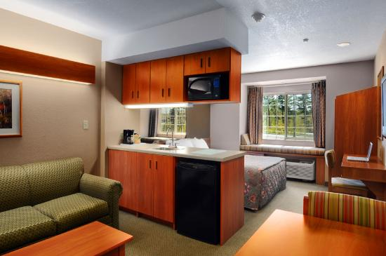 Parry Sound Inn and Suites: Suite