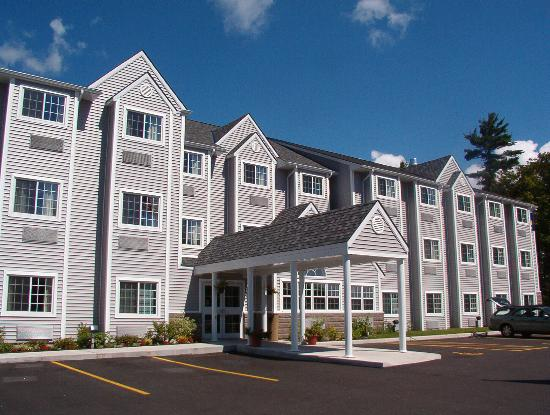 Parry Sound Inn and Suites: Entrance