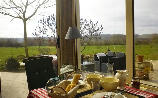 Cuiry-les-Chaudardes, Frankreich: Breakfast room