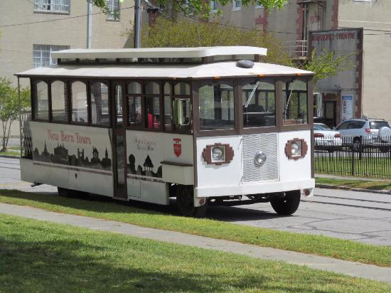 New Bern Tours & Convention: trolley