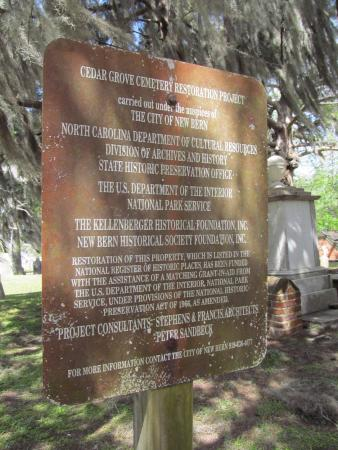 New Bern Tours & Convention: cemetery