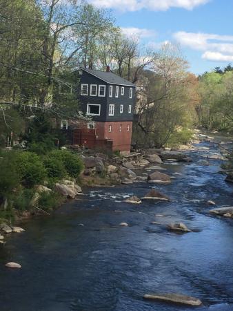 River House at Chimney Rock: photo3.jpg