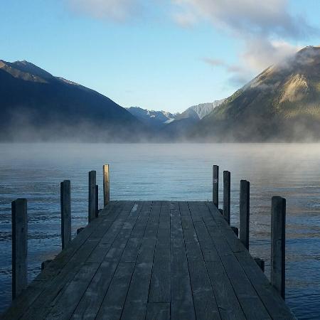 Saint Arnaud, Nova Zelândia: Morning at Kerr Bay campsite
