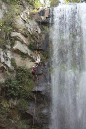 Puxa Nervos Falls