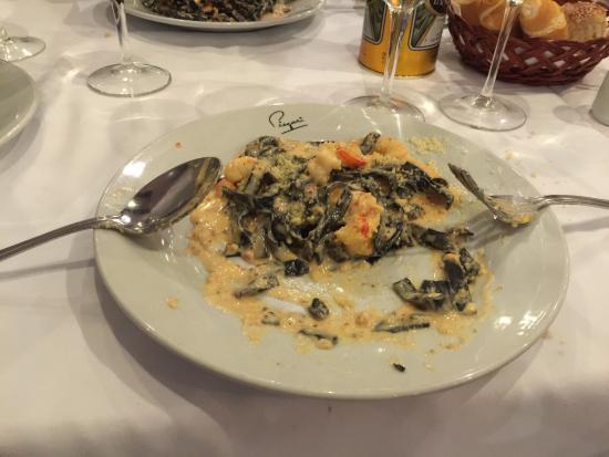 Piegari: Excelente! Melhor restaurante da Argentina, terceira vez que venho e não tem nada igual! O fettu
