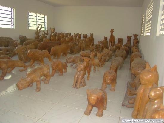 Boca da Mata, AL: está foi no museu,que possui varias salas e cada uma com estatuas diferentes