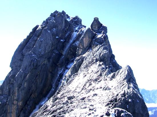 Carstenz Pyramid Peak - Papua