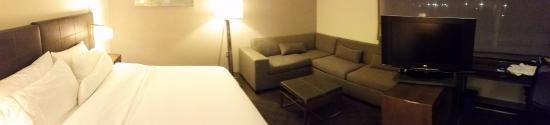 เล็กซิงตัน, แมสซาชูเซตส์: Panorama of room with desk.