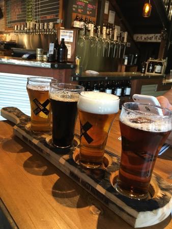 Pitt Meadows, Canadá: Foamers Folly Brewing Co.