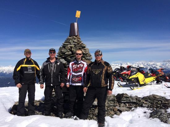 Snow Peak Rentals : Quartz Area 65 Monument at the very end of the park!