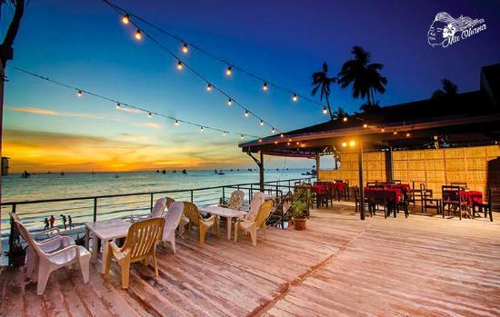 Niu Ohana Bar & Resto