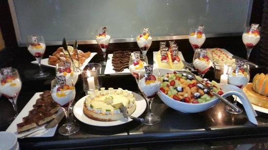 Southern Sun O.R Tambo International Hotel: This was only a portion of their lunch desert table offerings