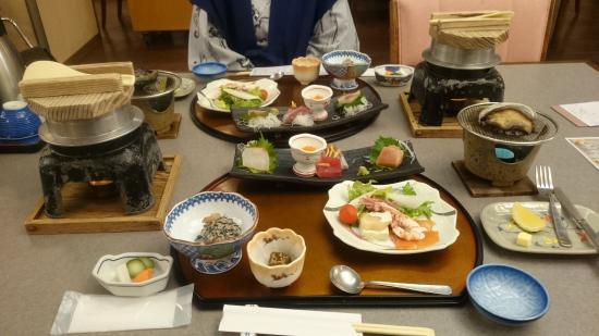 Kanponoyado Katsuura: 夕食配膳時