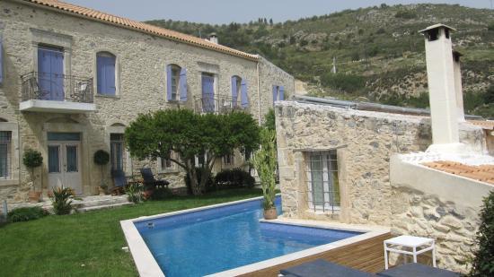 Villa Kerasia: la villa vista dal giardino