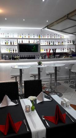 Master Bar and Restaurant