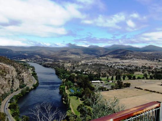 New Norfolk, Australia: Left side of Derwent River from Pulpit Rock Lookout.