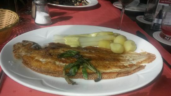 La Fornace: Seezunge mit frischem Spargel