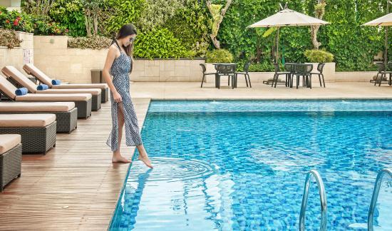 swimming pool area picture of crowne plaza bandung bandung rh tripadvisor co uk
