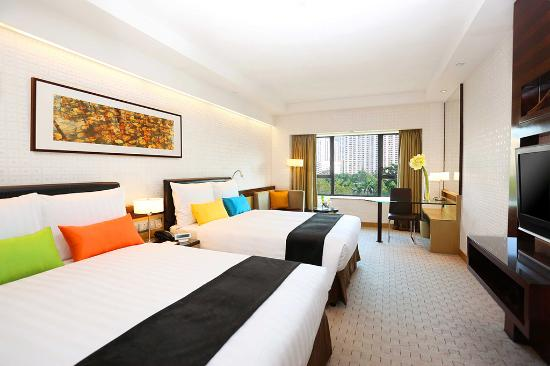 Royal Park Hotel: Grand Double Double Room