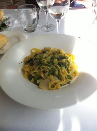 Hotel Tre Re: pappardelle asparagi e capesante....