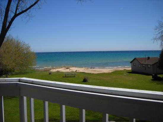 Square Rigger Lodge: View of the water from the deck of the motel.