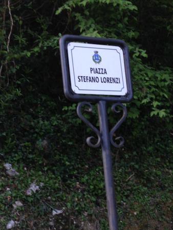 Vergemoli, Italië: parcheggio vicino al ristorante