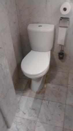 where not to install a toilet bild von apollofirst hotel rh tripadvisor de