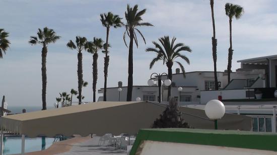 Bungalows Vista Oasis Apartments: Fin utsikt från altanen mot Faro & Atlanten
