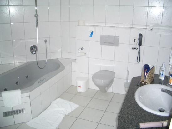 Großes Bad großes bad mit whirlpool picture of hotel edelfinger hof bad