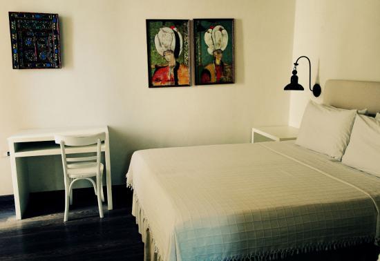 La maison kalogera updated 2017 b b reviews price for Ashoka ala maison price