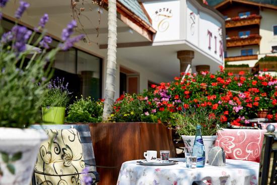 Hotel Tirol: Sonnenterrasse
