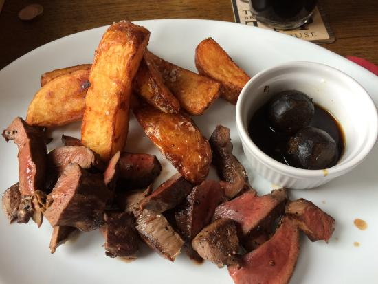 The Brewery Tap: Roast ox heart, chunky chips and pickled walnuts.