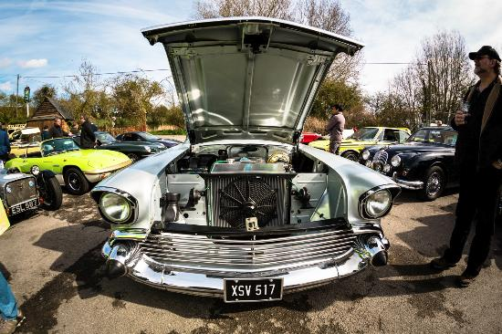 Playhatch, UK: Flowing Spring Classic Cars and Bikes Monthly Meeting