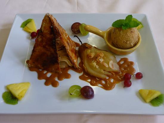 Auberge Hôtel-Restaurant Le Ratelier : pyramide aux poires