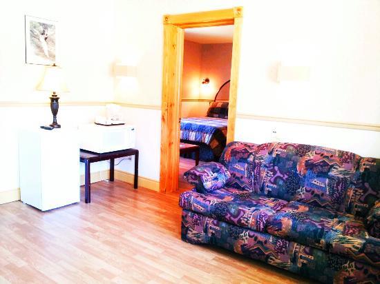 Hotel & Motel La Marquise : Room
