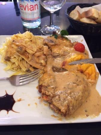 La Table Servie Picture Of La Table Servie Corbeil Essonnes